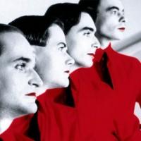 De invloed van Kraftwerk op de muziekindustrie en de Saturnus cult symboliek