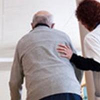 Shteti balancon financiarisht personat e moshuar në shtëpi pleqsh
