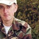 Kush ishte njeriu me dylbi në varrezat pas vrasjes së Jo Cox