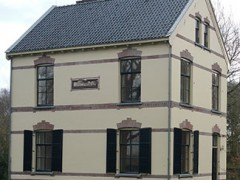 Antikraakbureau De Vastgoedbeschermer dreigt via advocatenkantoor na aankaarten misstanden