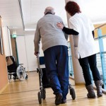 De staat plukt ouderen financieel compleet kaal in verzorgingstehuizen