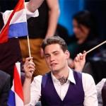 Winst Oekraïne Eurovisie Songfestival natuurlijk doorgestoken kaart, Douwe Bob 11e