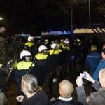 Waarom gaan Nederlanders niet massaal de straat op en staken? Het Geldermalsen afschrik-effect?
