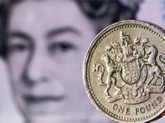 Britse pond en beurzen kelderen; Deutsche Bank probeert zichzelf (vergeefs?) te redden