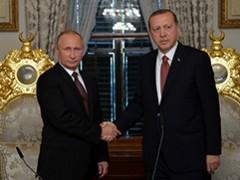 NAVO-lid Turkije sluit deals met Rusland en de media zwijgen als het graf
