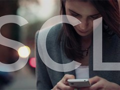 Апликације паметног телефона преузимате своје фотографије, читате поруке, слушајте и гледајте заједно на камери и микрофону