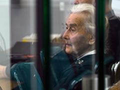 89 Jarige Duitse holocaust ontkenster op de vlucht voor gevangenisstraf